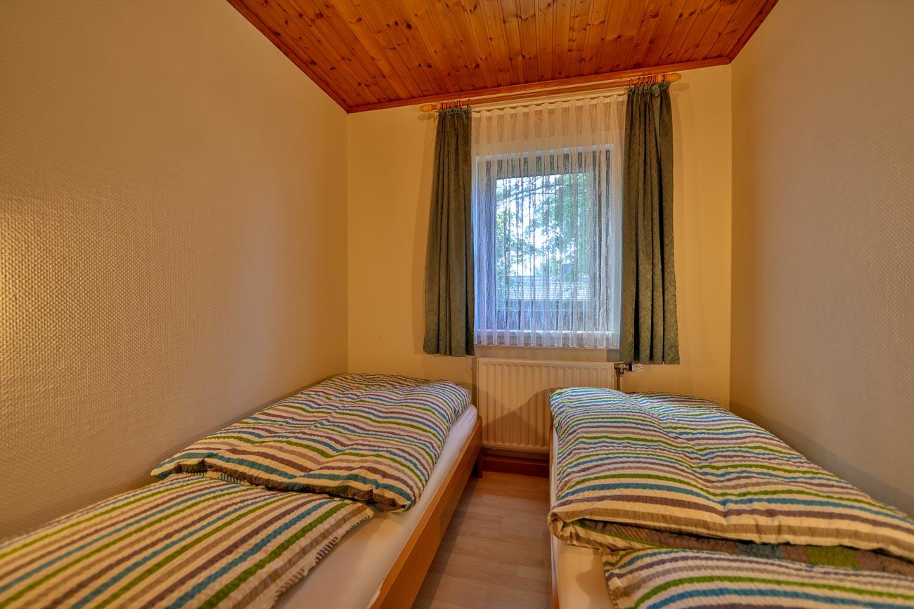 Kaminhaus-37-Zimmer-Einzelbetten