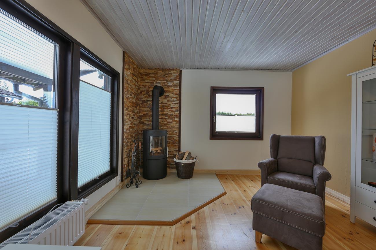 Kaminhaus-56-Wohnraum-Kamin