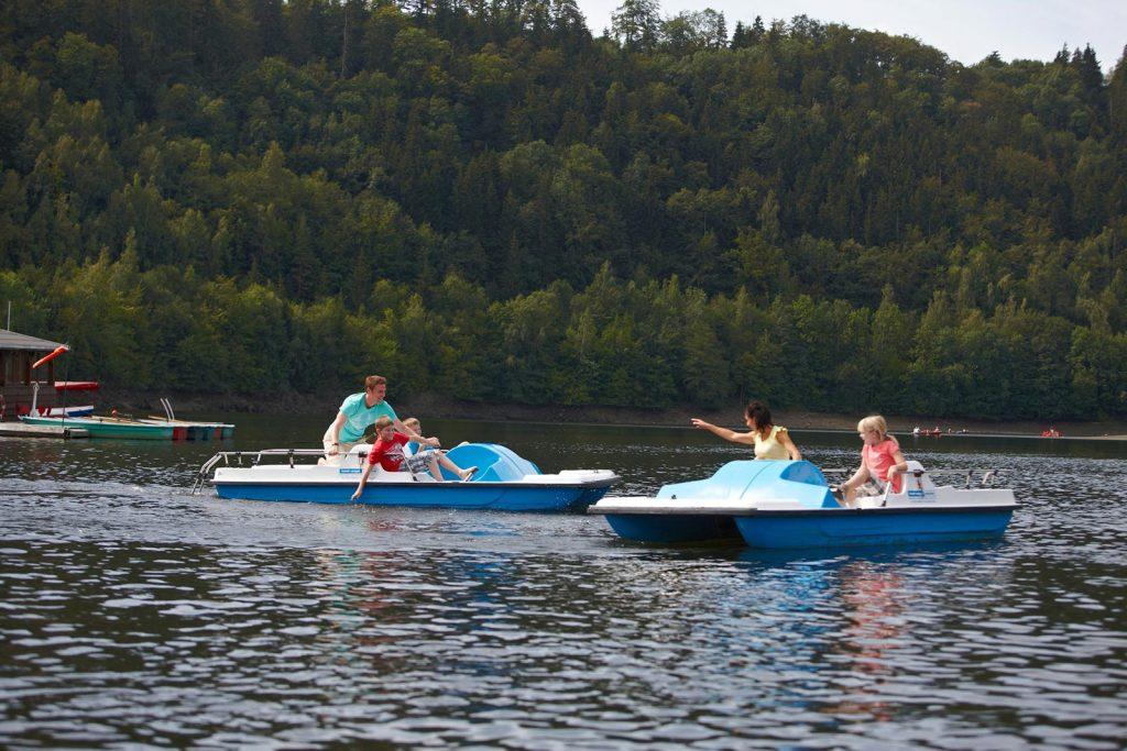 Tretbootfahren auf dem See